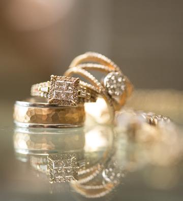 Horizontal Jewelry